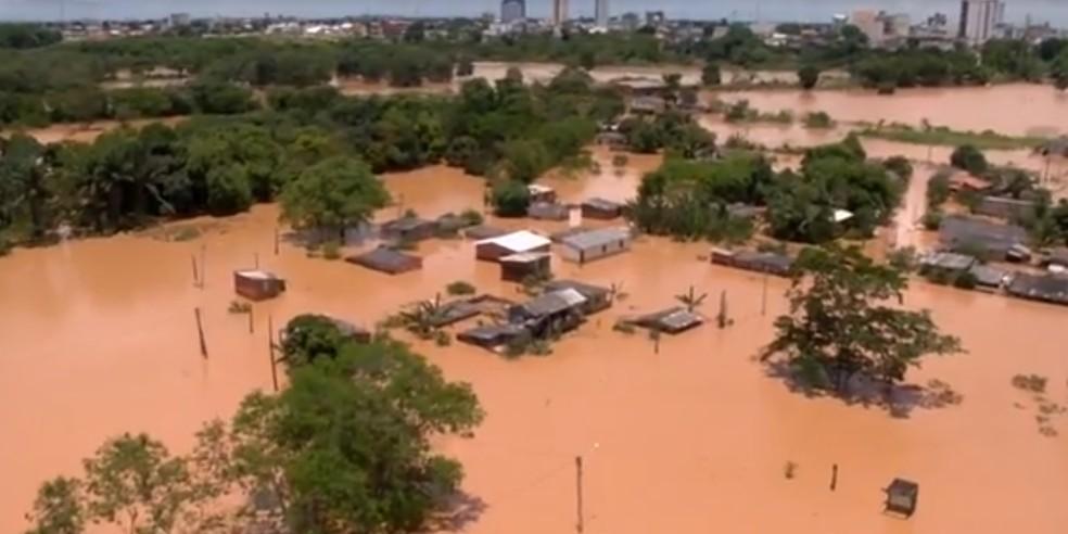 Inundações em 2013 na região do Espírito Santo — Foto: Reprodução/TV Gazeta