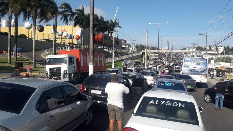 Motoristas de aplicativo protestam após assassinato de colega de trabalho em Natal — Foto: Heloísa Guimarães/Inter TV Cabugi