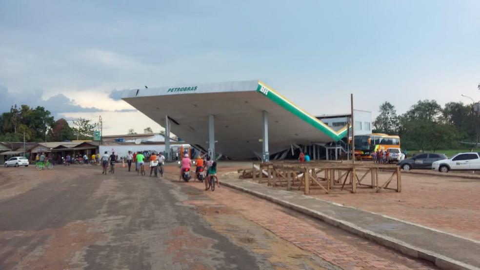 Posto de combustível fica às marges do rio em Feijó — Foto: Divulgação/Polícia Militar do Acre