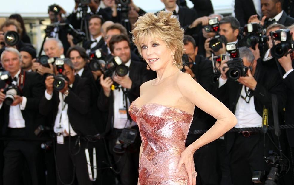 -  A atriz Jane Fonda posa para fotógrafos pouco antes da exibição do longa  Moonrise kingdom , na 65ª edição do Festival de Cannes  Foto: Reuters