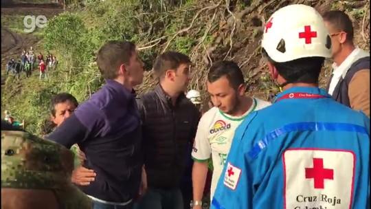 Sobreviventes refazem rota do salvamento e visitam morro de acidente da Chape