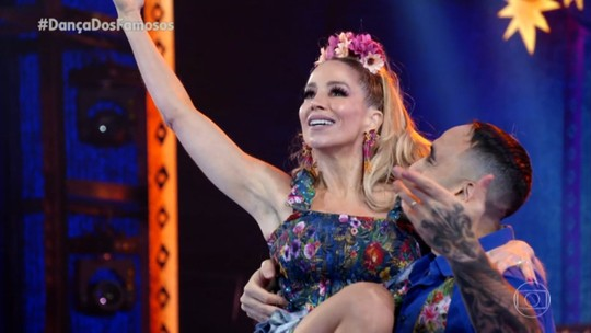 Danielle Winits repercute liderança no 'Dança dos Famosos': 'Trabalho físico e emocional'