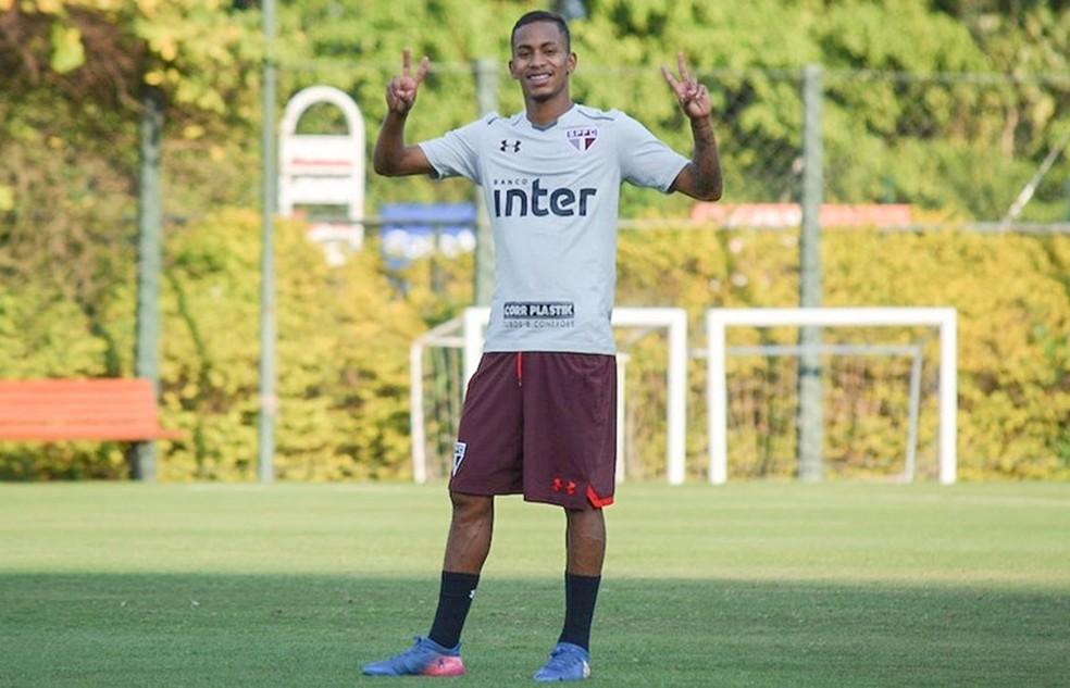 Paulinho Boia entrou no segundo tempo do jogo contra o Palmeiras: sua única partida com Aguirre (Foto: Erico Leonan / site oficial do SPFC)