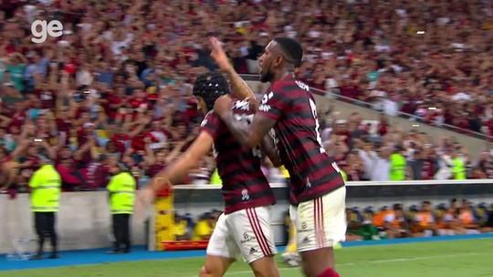 Rafinha comemora gol do Flamengo contra Vasco à la Edmundo em 1997; compare