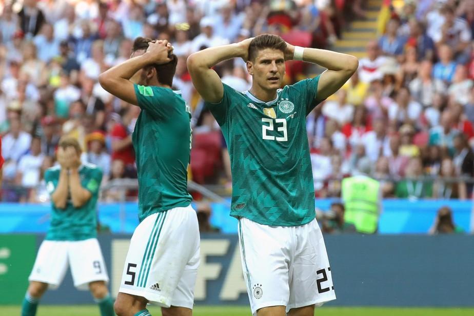 Atacante alemão critica atuações: