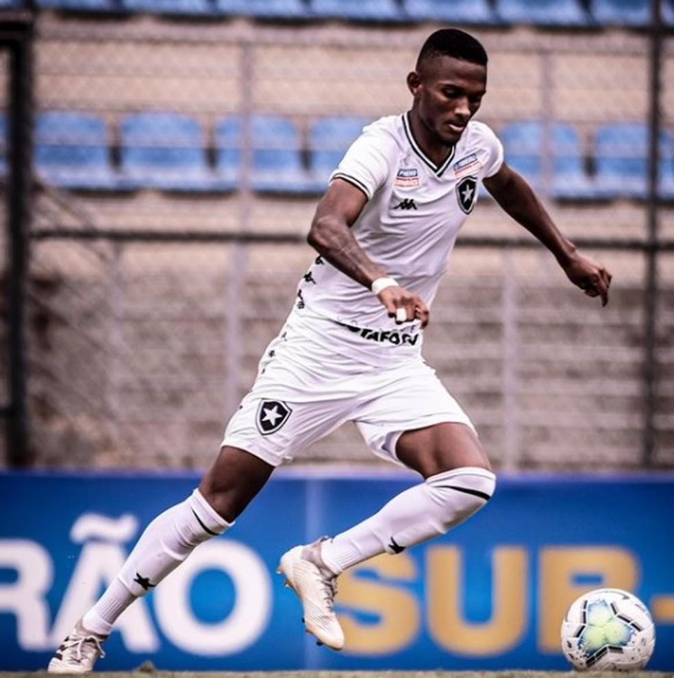 Wesley ficou na base do Botafogo por quatro anos — Foto: Reprodução/Instagram