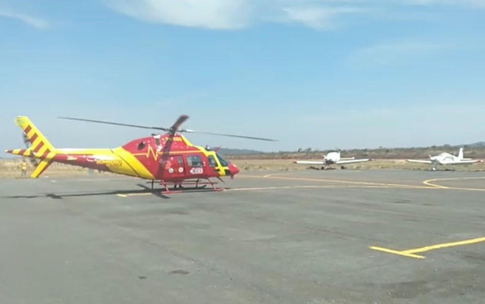 Helicóptero ajuda no combate a incêndio na Chapada dos Veadeiros — Foto: Reprodução/Corpo de Bombeiros