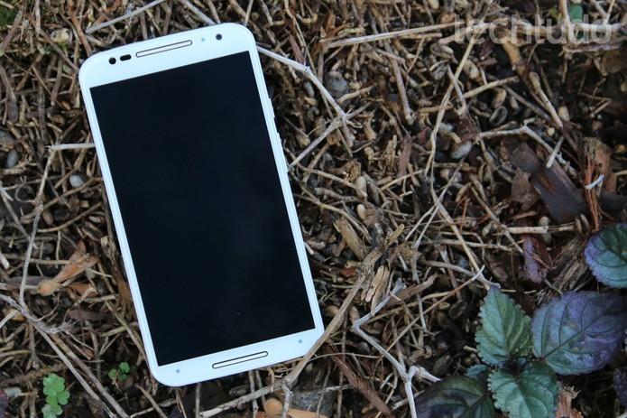 Desligue o celular caso precise dele carregado rapidamente (Foto: Lucas Mendes/TechTudo)