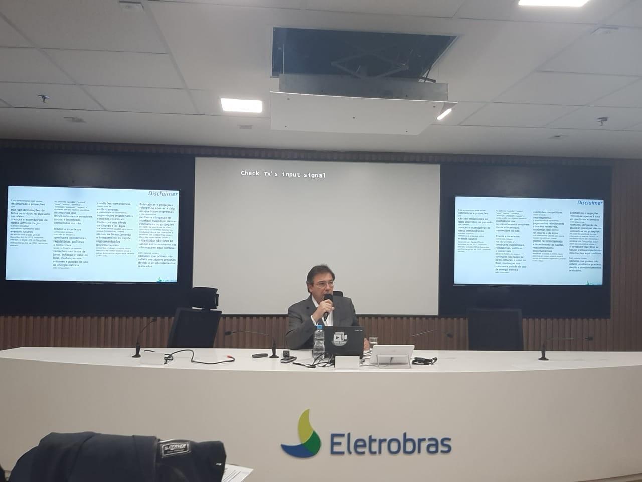 Eletrobras diz que já atingiu 'quase metade' da meta para plano de demissão  - Notícias - Plantão Diário