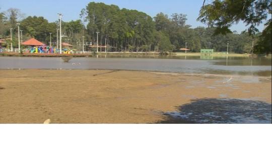 Lagoa usada para abastecer Serra Negra está parcialmente assoreada