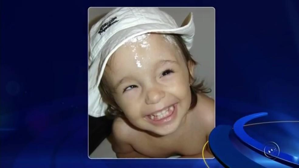 Heloíza foi diagnosticada com hidrocefalia (Foto: Reprodução/TV TEM)