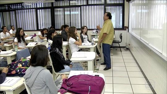 Disciplinas, carga horária e impacto no Enem: veja o que deve mudar com a base curricular do ensino médio