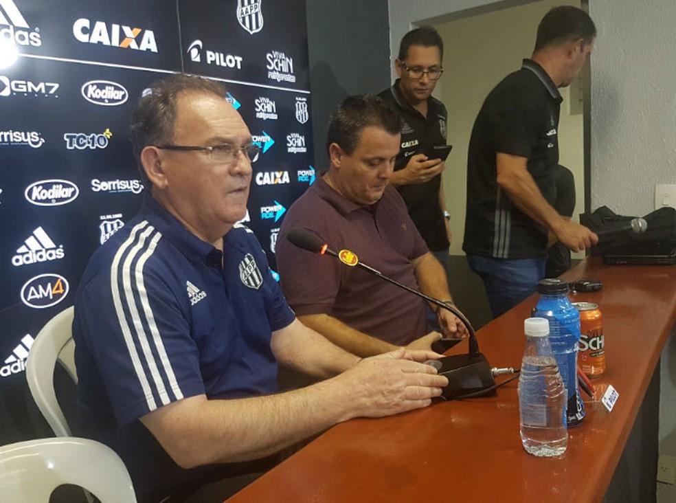 Vanderlei Pereira concede entrevista na Macaca (Foto: Heitor Esmeriz)