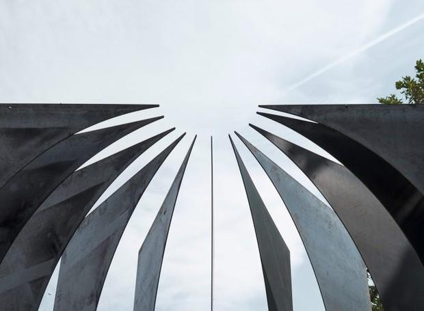 A cúpula em cima remete a um santuário (Foto: Gergely Kenéz/ Reprdução)