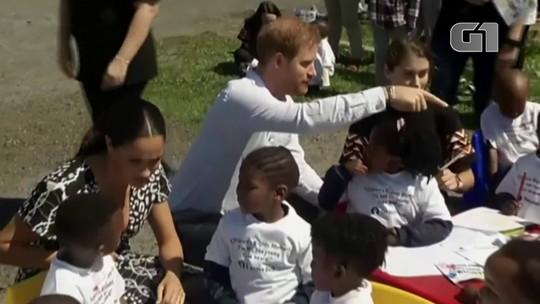 Príncipe Harry e Meghan Markle começam tour pela África com o filho, Archie