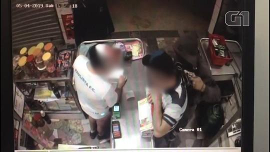 Suspeito de assaltar mercado é preso em Bragança Paulista; veja vídeo da ação