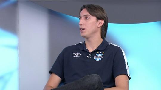 Geromel explica como foi entrada em Cristiano Ronaldo com um minuto de jogo