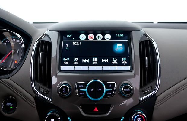 Chevrolet Cruze 2017 (Ảnh: Leo Esposito / Autoesporte)