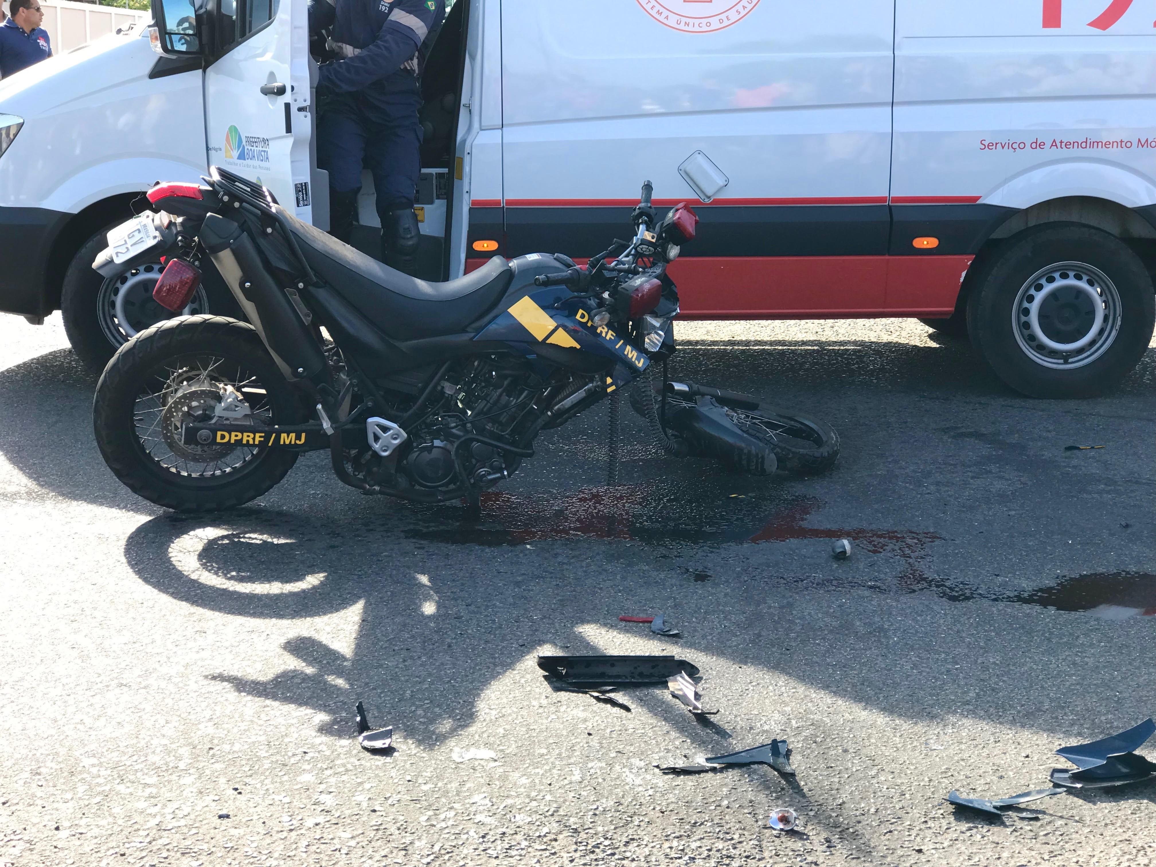 PRF ferido em acidente segue internado no Hospital Geral de RR e tem quadro clínico estável