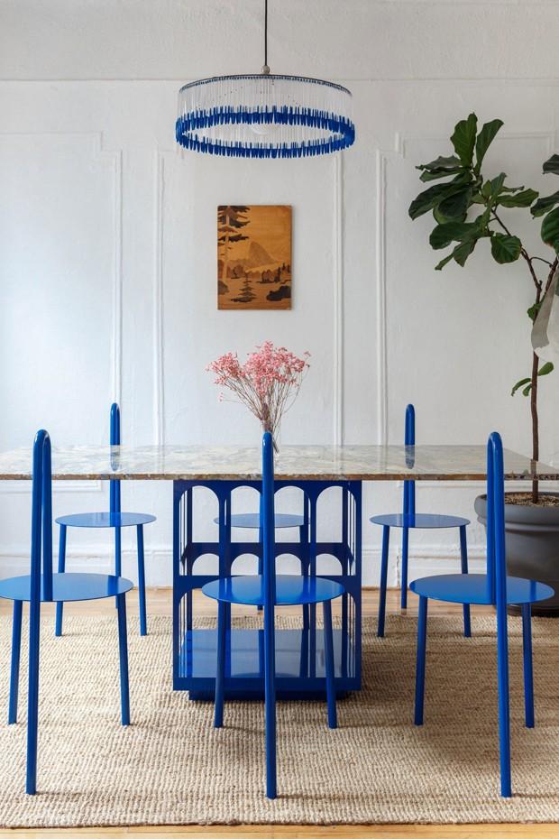 Décor do dia: sala de jantar azul (Foto: Crosby Studio/Divulgação)