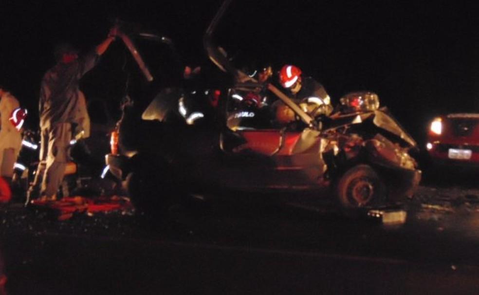 Resgate mobilizou bombeiros e Samu (Foto: Rota das Notícias)