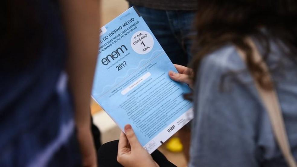 Pesquisa realizada em junho apontava que, dos jovens que pretendiam fazer o Enem, quase a metade havia pensado em desistir da prova — Foto: Mariana Leal/MEC