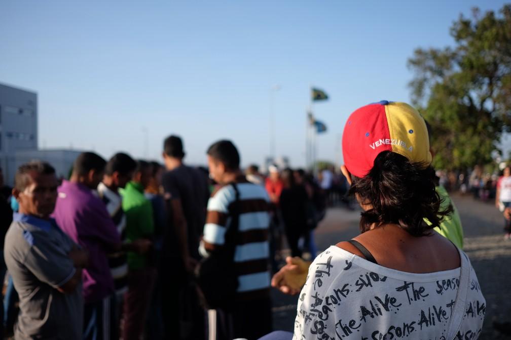 Filas em frente à sede da PF em Boa Vista chamam a atenção e revelam o crescimento da imigração venezuelana para Roraima (Foto: Inaê Brandão/G1 RR)
