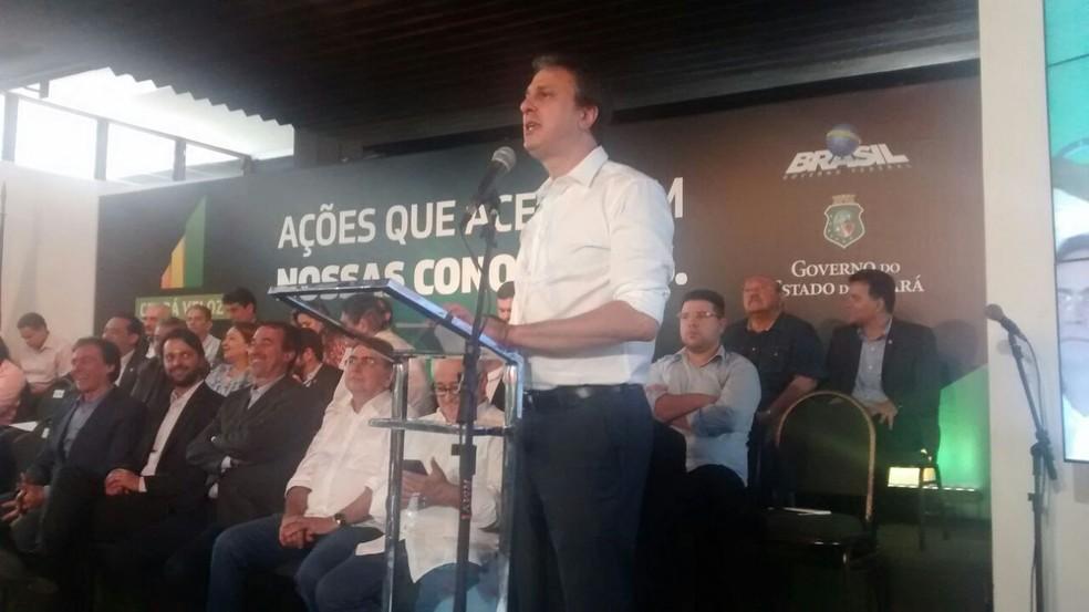 Governador Camilo Santana anunciou o investimentos liberadores pelo Ministério das Cidades' (Foto: Valdir Almeida/G1 CE)