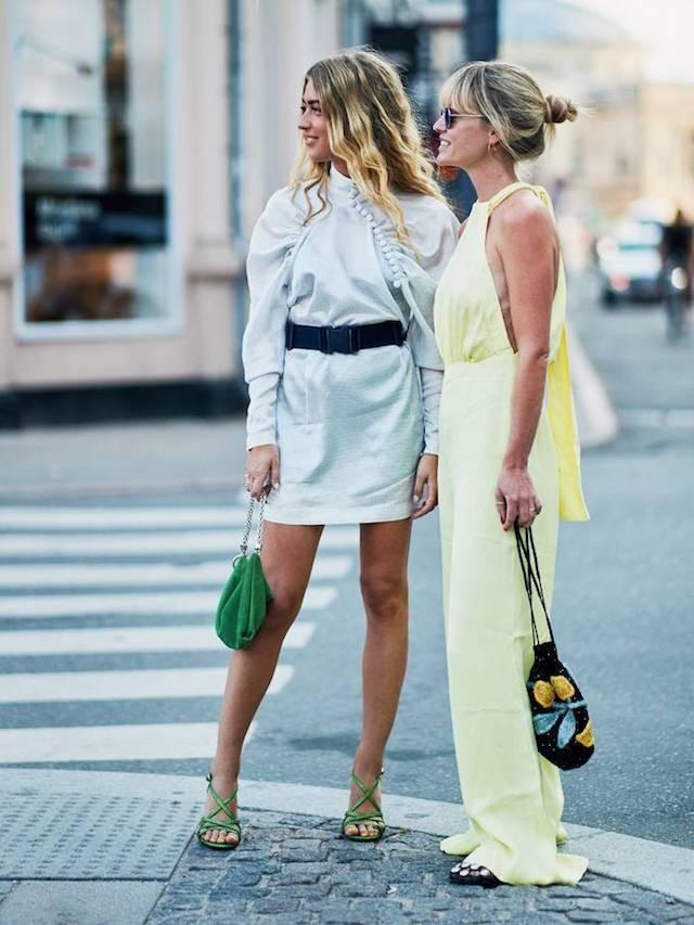 As pouch bags (ou drawstring bags), que serão seu modelo favorito no verão 2019 (Foto: Style Stalker)