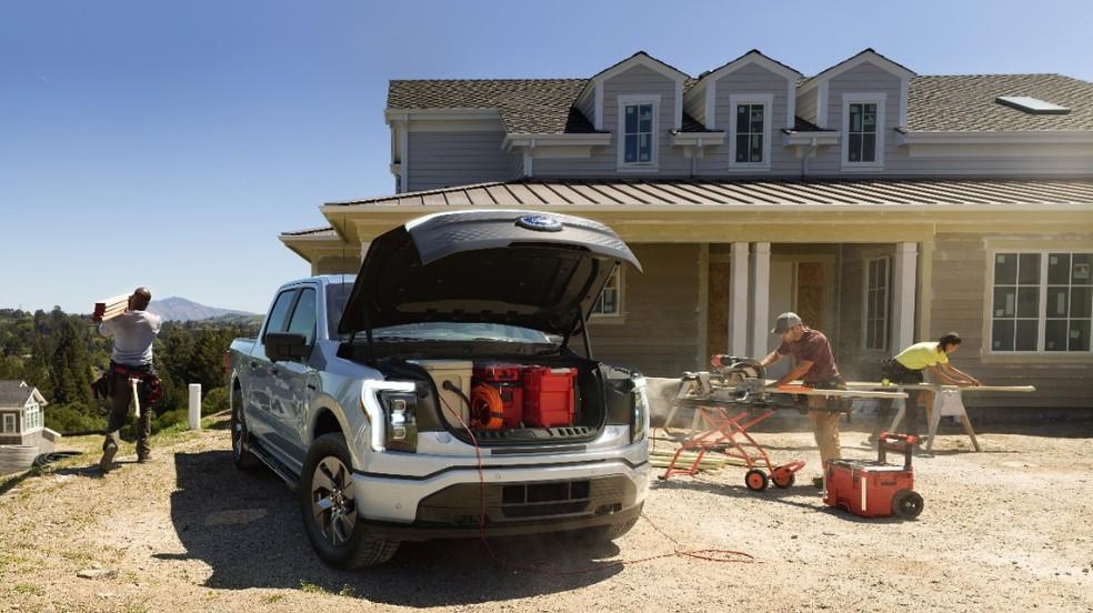 A picape elétrica pode alimentar diferentes ferramentas de trabalho. — Foto: Divulgação