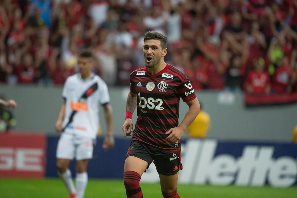 Arrascaeta marcou quatro e deu três assistências em agosto — Foto: Alexandre Vidal / GloboEsporte.com