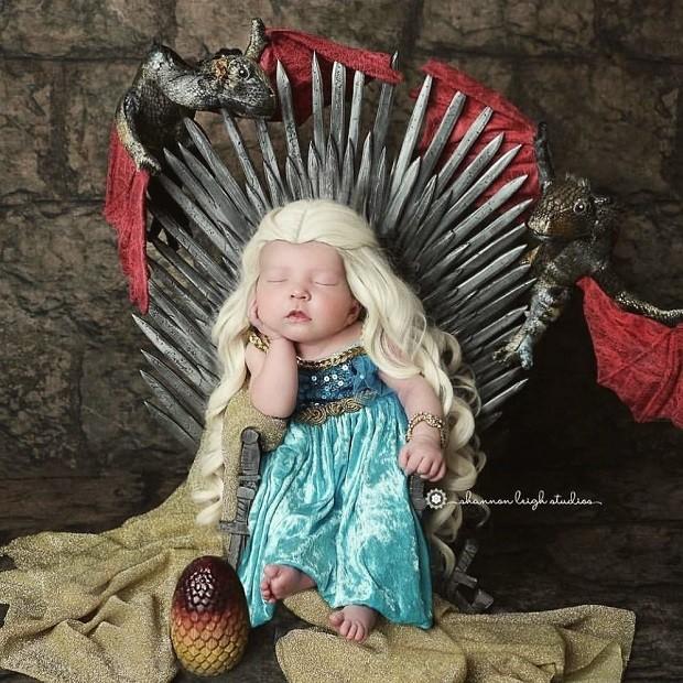 Fotógrafa faz ensaio de bebês vestidos como personagens de 'Game of Thrones' (Foto: Shannon Leigh Studios/Instagram)