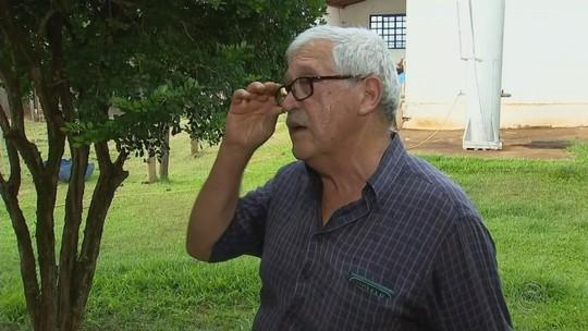 Idosa que levou mais de 300 picadas de abelhas continua internada; marido morreu