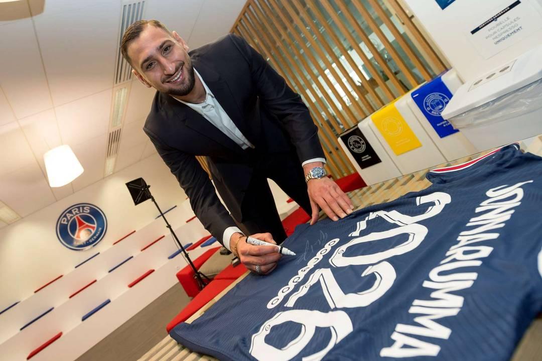 Donnarumma assina contrato até 2026 com o PSG