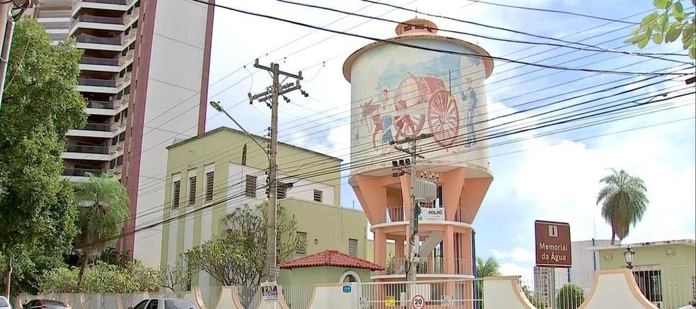 A caixa instalada em 1945 funciona até hoje na Avenida Presidente Marques, em Cuiabá — Foto: TVCA/ Reprodução