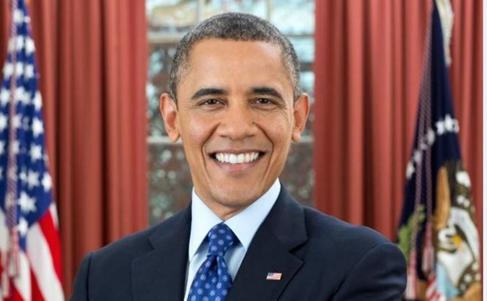 Com a eleição de Barack Obama, o livro O Presidente Negro voltou a ter uma edição no Brasil — Foto: Pete Souza/BBC