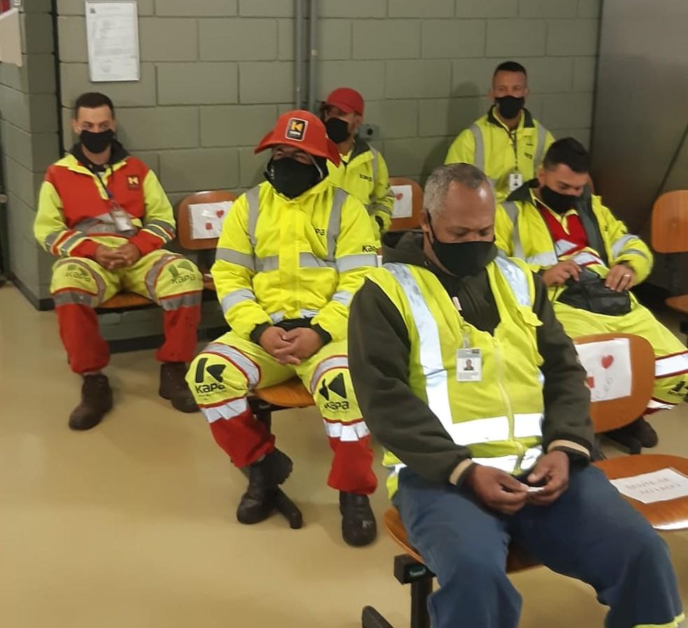 Cerca de 20 trabalhadores que atuam nas obras da SP-294 foram até o hemocentro de Marília — Foto: Eixo SP/Divulgação