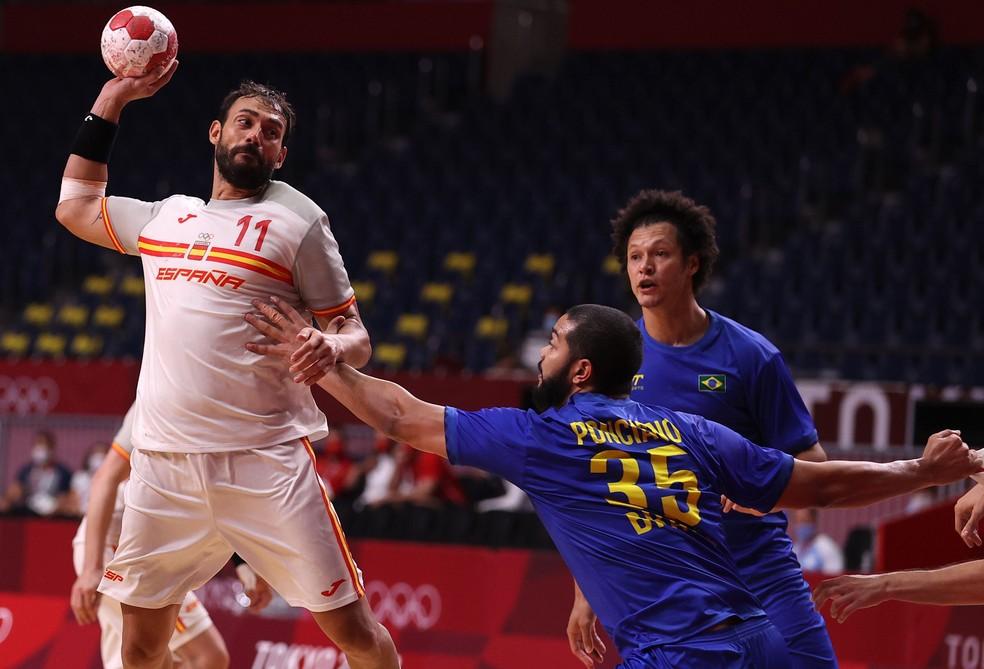 Espanha venceu o Brasil por 32 a 25 no handebol masculino — Foto: REUTERS/Gonzalo Fuentes