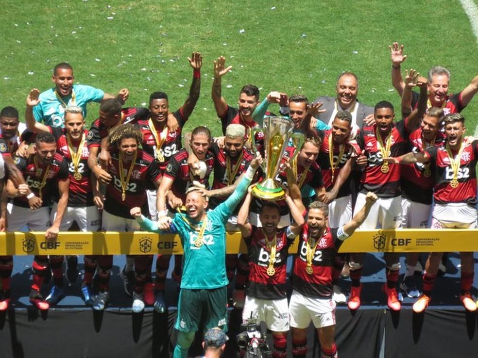 Flamengo conquistou três títulos em 2020: Supercopa do Brasil, Recopa Sul-americana e Carioca — Foto: Felipe Schmidt / GloboEsporte.com