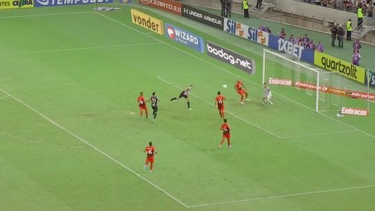 Ceará x Athletico: confira os melhores momentos e os milagres de Santos pela 36ª rodada