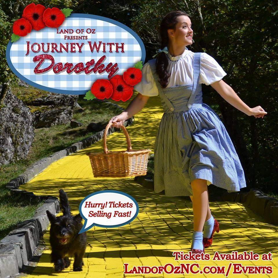 Atração relembra pontos principais do parque com Dorothy  (Foto: Divulgação)