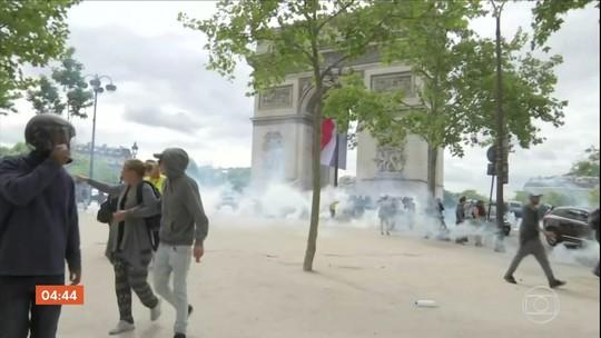Polícia francesa entra em confronto com manifestantes na comemoração da Queda da Bastilha
