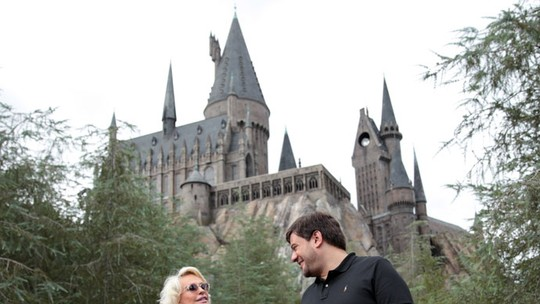 Ana Maria Braga e Bruno Astuto visitam The Wizarding World of Harry Potter