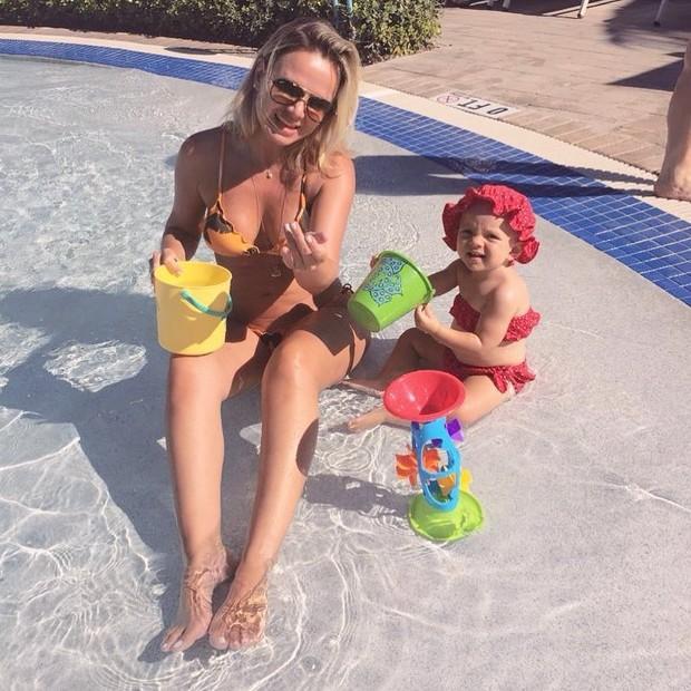 Eliana e a filha, Manuela (Foto: Reprodução/Instagram)