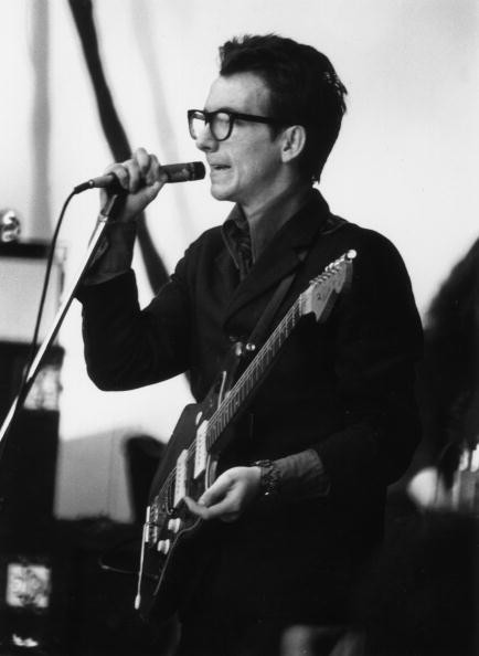 Elvis Costello em 1977 (Foto: Getty Images)