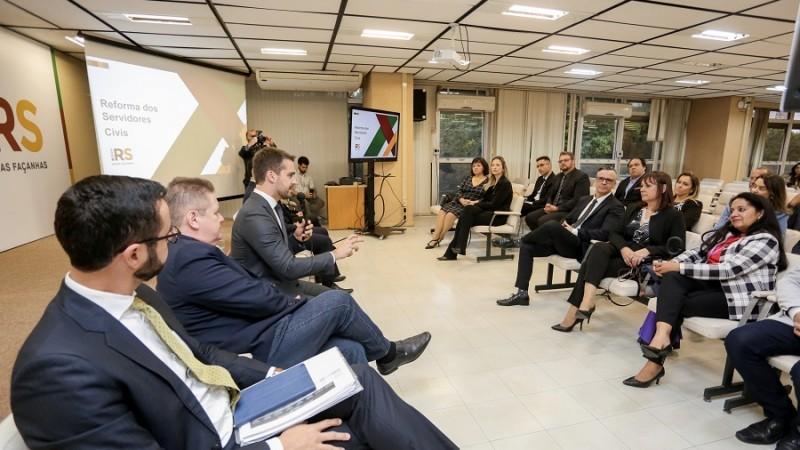 Governo do RS divulga 117 propostas de mudança no plano de carreira dos servidores públicos - Notícias - Plantão Diário