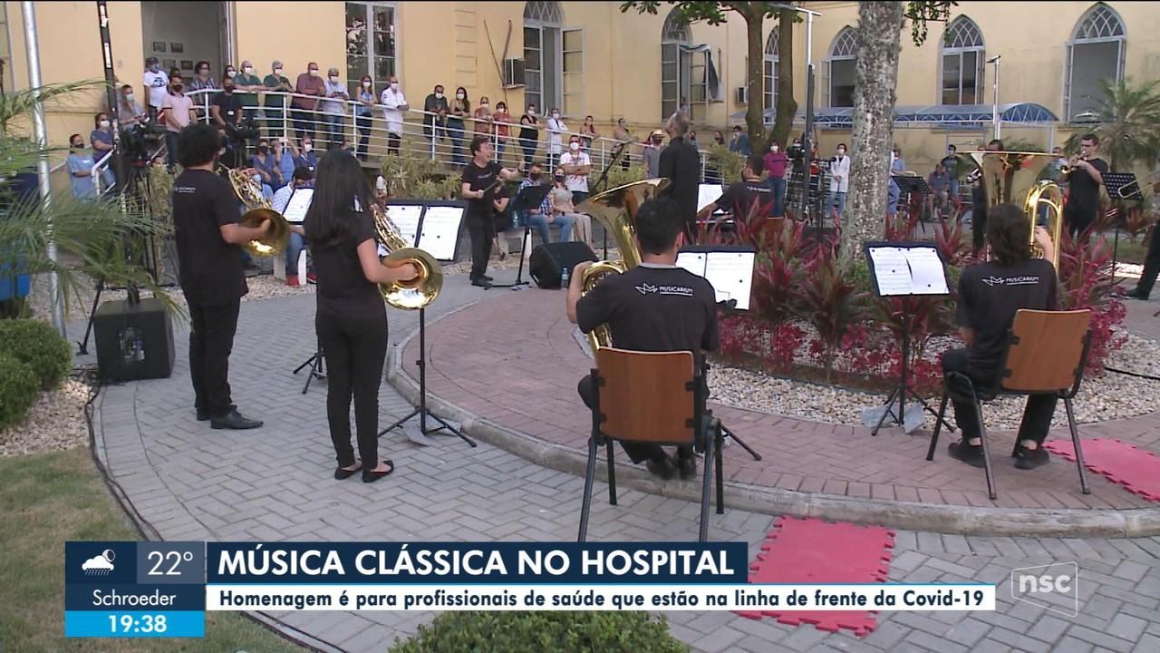 Profissionais da saúde não homenageados com apresentação musical em Joinville