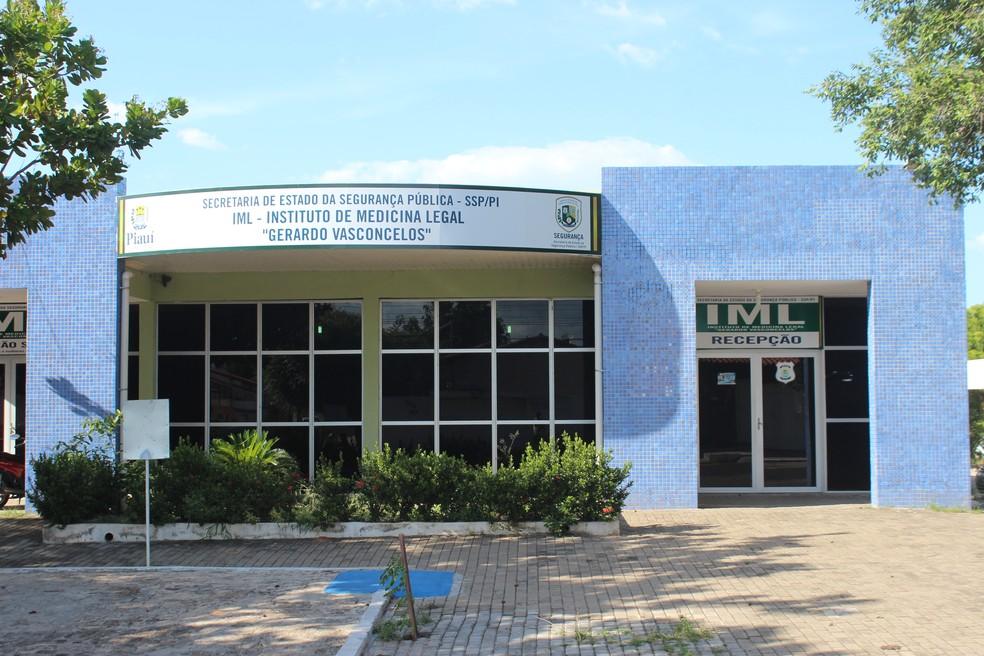 -  Corpo do feto foi encaminhado para o Instituto de Medicina Legal  IML  em Teresina  Foto: Lucas Marreiros / G1 PI