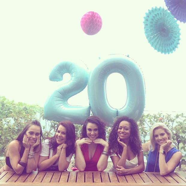 Gisele Frade, Fernanda Souza, Francis Helena, Aretha Oliveira e Renata Del Bianco (Foto: Reprodução/Instagram)
