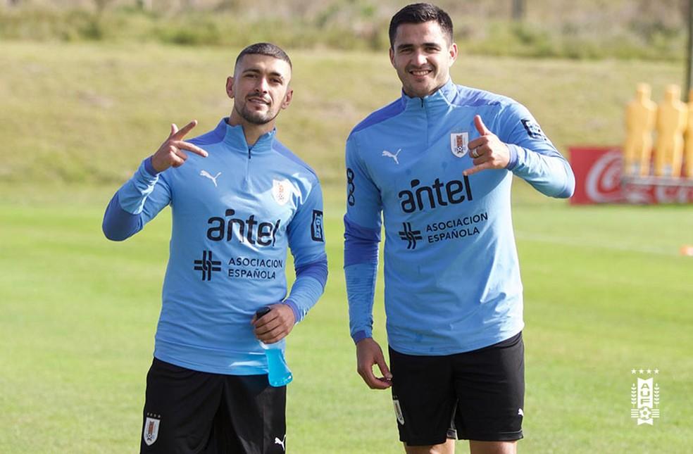 Arrascaeta e Maximiliano Gómez voltam a treinar no Uruguai — Foto: Divulgação/AUF